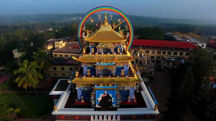 Ο Ναός Ζάνγκντογ Πάλρι στο Μοναστήρι του Ναμντρολίνγκ