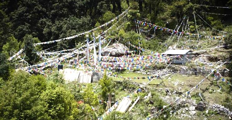 Σπηλιά άσκησης του Γκούρου Ρίνποτσε στο Γιόλμο του Νεπάλ